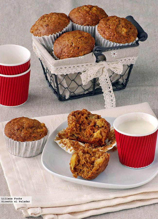 Receta de muffins de zanahoria y piña. Con fotografías del paso a paso, consejos y sugerencias de degustación. Recetas de muffins. Desayunos y m...