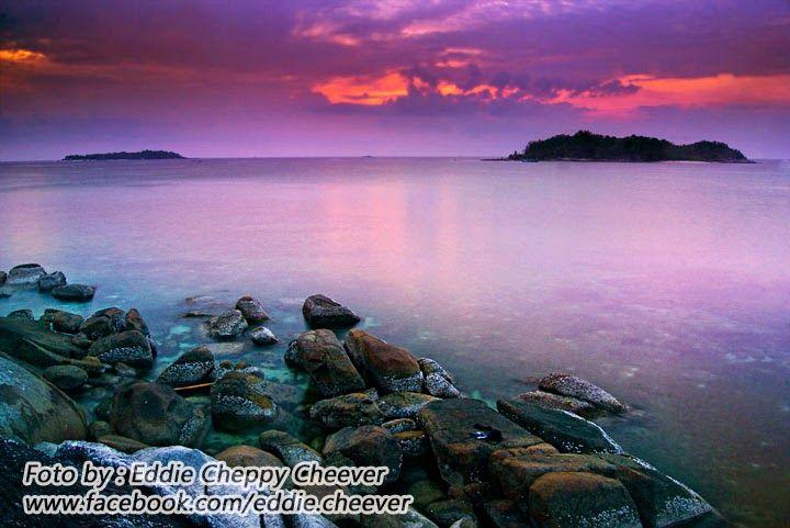 Paket Perjalanan Wisata Pulau Belitung bersama Imaji Tour >>> Pulau Belitung, selain menjadi surganya bagi orang-orang yang ingin bersantai dan liburan bersama keluarga maupun teman-teman, Pulau Belitung juga menjadi tempat bagi para fotografer untuk datang dan membuat sebuah karya seni.