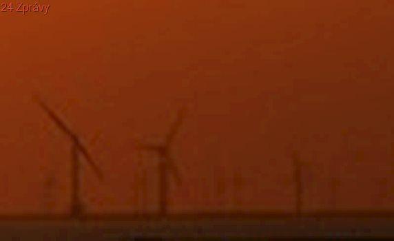 Čína má v Gobi větrníky o síle deseti Temelínů, většina se však netočí