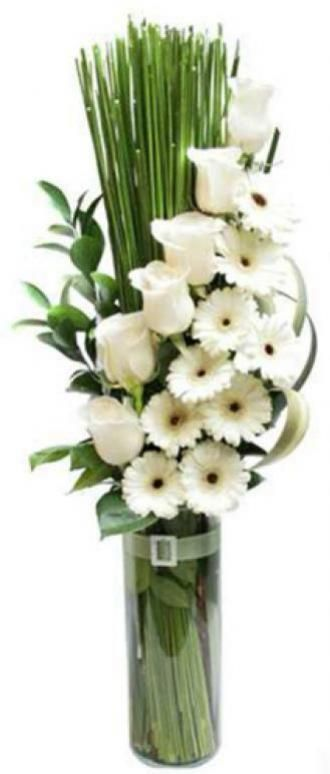flores-de-gerberas-e-rosas-brancas-importadas.jpg (330×774)