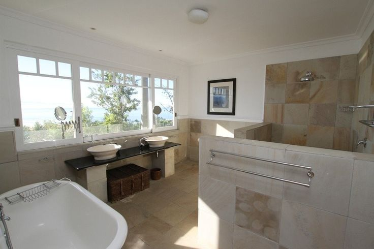 4 Bedroom House For Sale in Plettenberg Bay