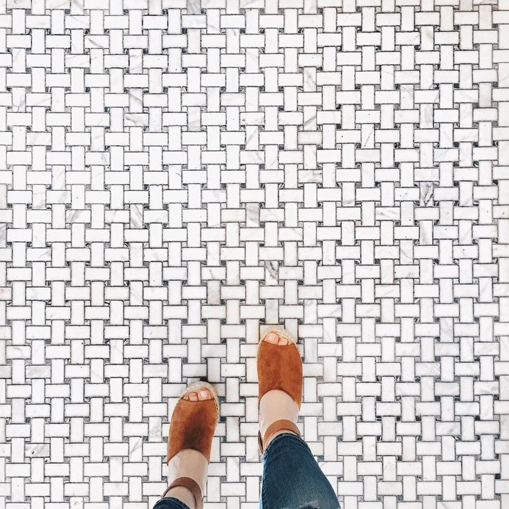 These @marc.fisher espadrille wedges have officially become my shoe of summer. Spent the morning with S at our favorite bakery/breakfast spot, @breadfurst. ☕️ || #mdw #fromwhereistand #ihavethisthingwithfloors #makeyourmarc || Grey Henry