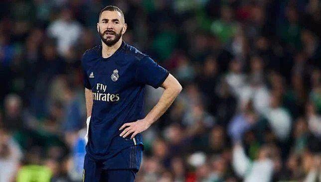 إحصائية كارثية لبنزيما تثير قلق ريال مدريد قبل مباراة فياريال Mens Tshirts Mens Tops Men