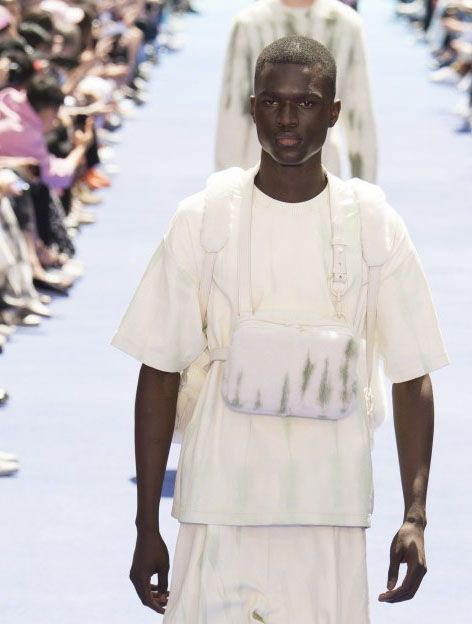 "59402974c9c4 The Game Changer  Virgil Abloh s Louis Vuitton debut. SS19 men s collection  titled ""COLOR THEORY"""