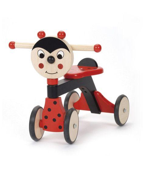 Copilul tau se poate acum aventura in lungi plimbari, in casa sau afara in aer liber, impreuna cu mergatorul lui preferat din lemn. Are nevoie doar de putin curaj si dorinta sa descopere lumea. #mergator #walker #toy #wood #lemn #jucarie #buburuza #ladybug