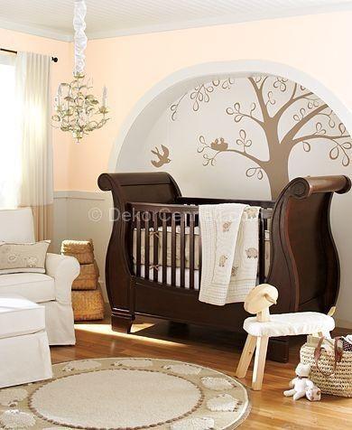 Erkek bebek odası kahverengi ağaç dekorasyon
