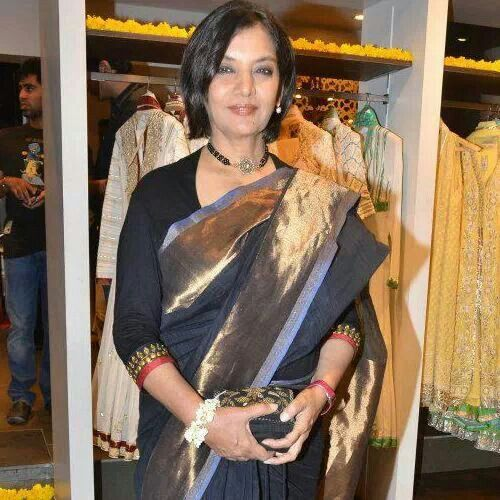 Shabana azmi in raw mango sari .