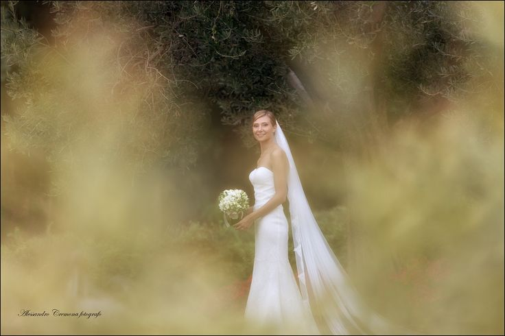 la fata nel bosco  #wedding #bride #alessandrocremona #photographer #vallecamonica