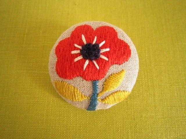 手刺繍ブローチ 『花』iichi
