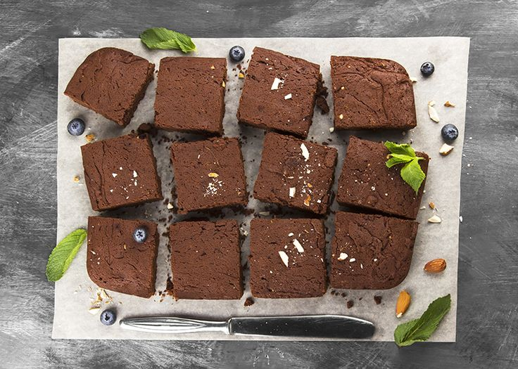 FitChefs high protein brownies recipe > http://www.fitchef.co.za/fitchefs-high-protein-brownies/