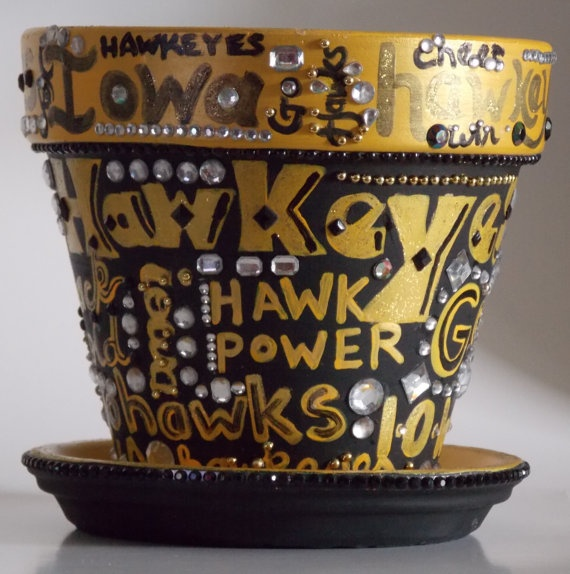 1000 images about diy gifts on pinterest iowa hawkeyes for Iowa hawkeye decor