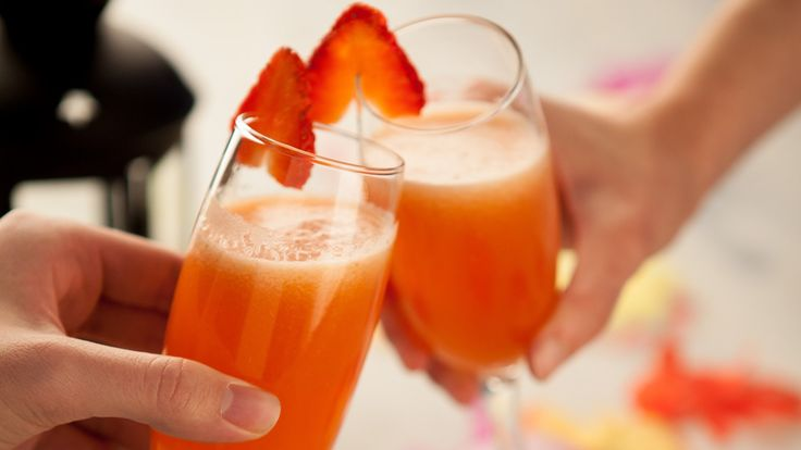 Champagne and Strawberry Cocktail with MyCook | Available at NETNBUY.COM