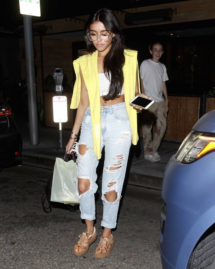 Madison Beer - Has Dinner With Friends at 'Il Pastaio' Restaurant in Beverly…