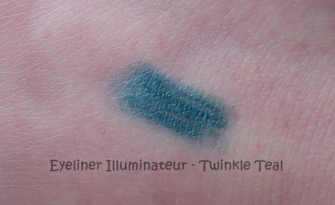 #7607 Twinkle Teal http://eyeslipsface.nl/product-beauty/shimmer-eyeliner-potlood
