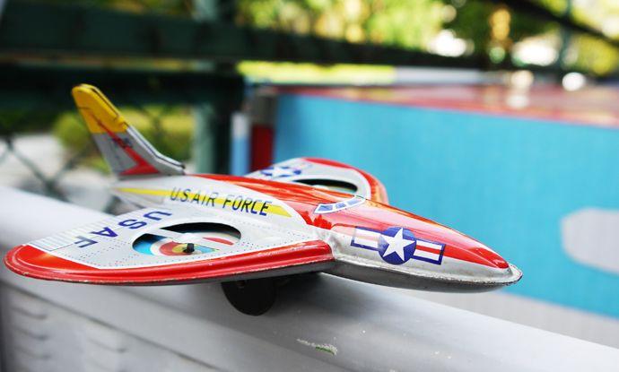 斉藤玩具製 U.S.AIR FORCE ブリキの飛行機