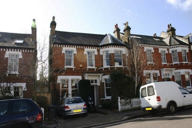 Detached Victorian House With Lovely Garden It Remains Virtually Untouched From Original Build