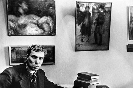 boris pasternak essay Twenty years after first broaching the subject of boris pasternak's muse and a  month after the release of lara in the uk to warm reviews, the.