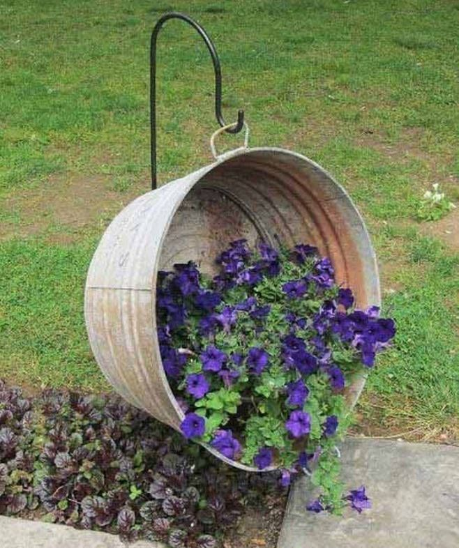 Turn a Metal Wash Tub into a Hanging Planter...these are the BEST Garden & DIY Yard Ideas!