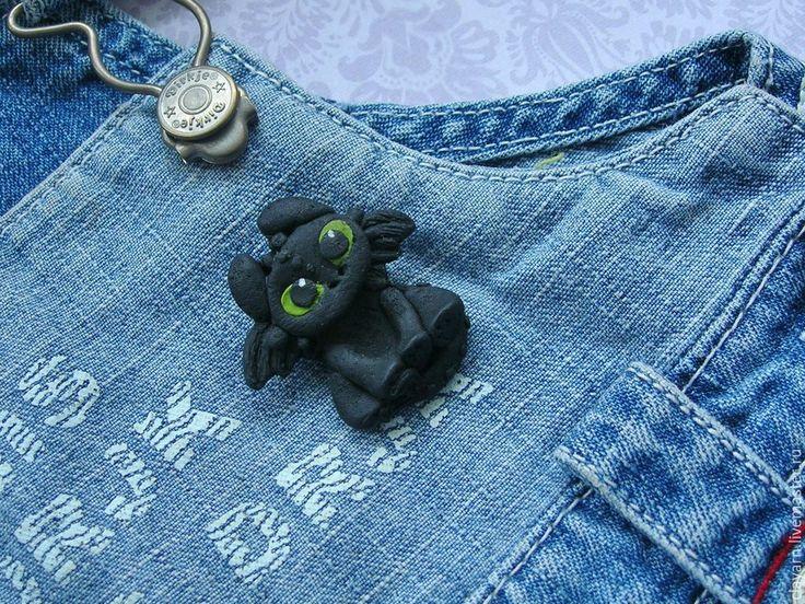 Купить Брошка Дракон Беззубик (Ночная фурия) из мультфильма - дракон беззубик подарок