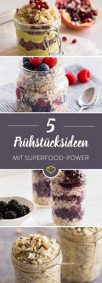Quinoa und Chia-Samen sind in aller Munde - und das auch zu Recht. Als Frühstücksmahlzeit oder als Zutat in deinen morgendlichen Haferflocken bringen die beiden Kraftpakete alles Wichtige mit, um dich mit ganz viel Energie zu rüsten. Mit unseren Superfood Frühstücks-Rezepten startest du garantiert mit Power in den Tag.