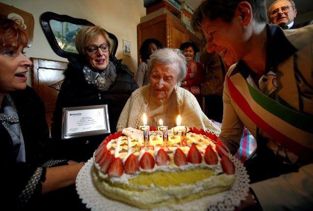 Morano lahir pada 29 November 1899 di Civiasco, wilayah Piedmont di Italia utara   Morano merasakan hidup selama dua perang dunia (perang...