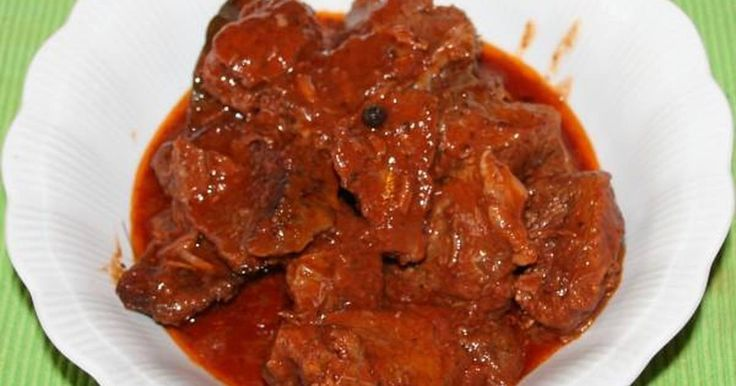 Great recipe for Beef in tomato sauce from Smyrna. We are all familiar with this dish, the staple of our young years... But there are always some secrets for a very special beef, especially for people who love it!!! Recipe by Βασιλεία