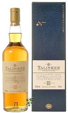 Whisky Shop - Der Talisker 18 Jahre ist ein hervorragender Skye Single Malt Scotch Whisky der bekannten Brennerei Talisker.   Er überzeugt durch seine wunderbare Vielschichtigkeit, die würzigen und rauchigen Aromen sind perfekt ausbalanciert mit süßem Nougat- Gebäck - sowie feinen Obstaromen. Ein pfeffrig-würziger Abgang vervollständigt das wunderbare Gesamtbild und lässt erahnen, warum der Talisker Whisky weltweit von Kennern und Genießern so hochgeschätzt wird.