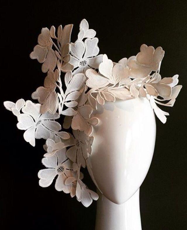 Lace headdress 1940's