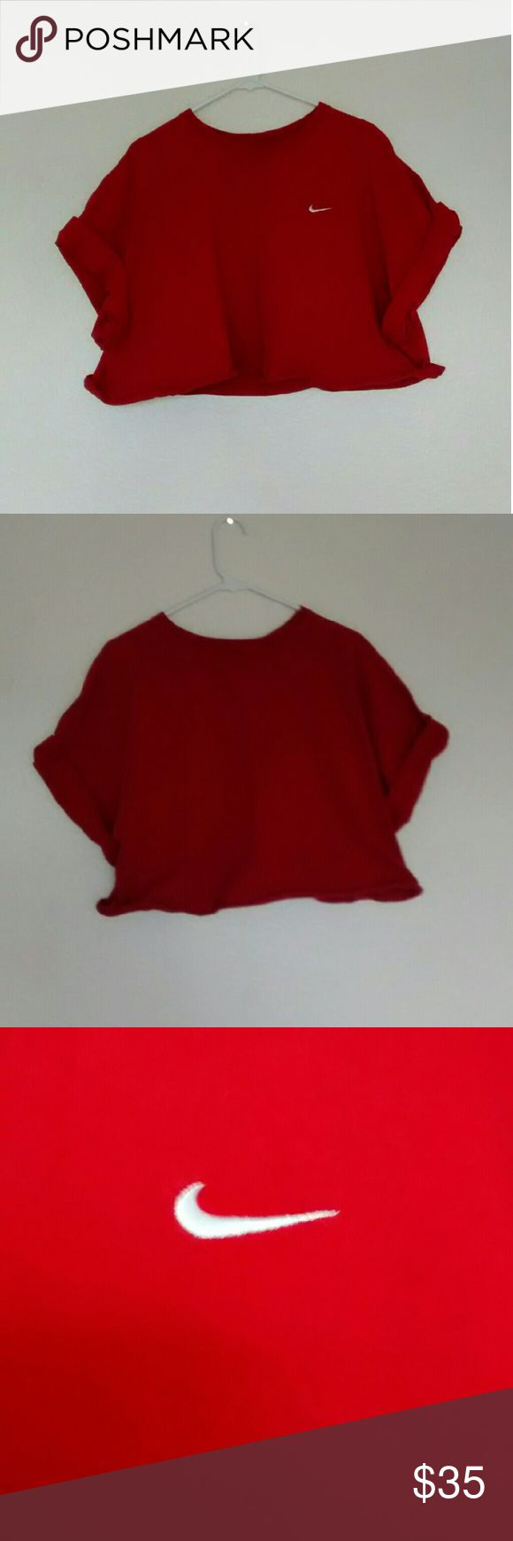 Redd Nike Crop Top This crop top is in great condition and is in a size double XL. Nike Tops Crop Tops