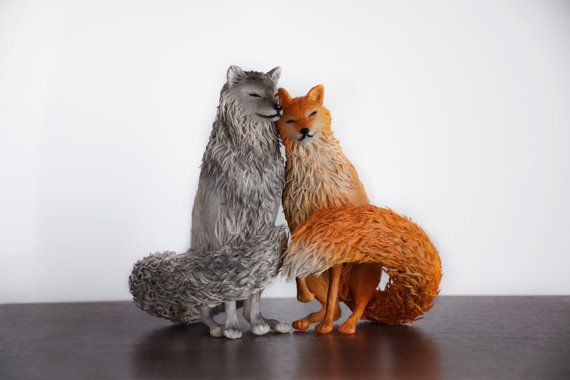 Fox & Wolf standbeeld - originele handgemaakte OOAK sculptuur wolf figuur fox beeldje dierlijke figuur beeldje schepsel totem