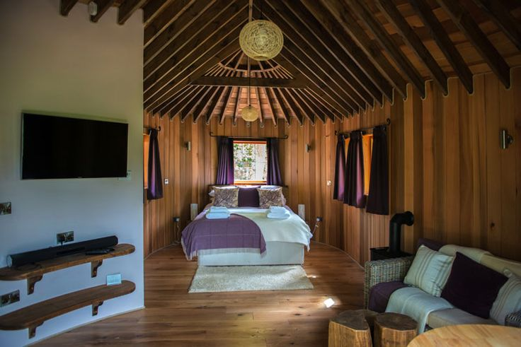 A look inside and around The Woodlands, offering self catering Snugs and luxury breaks in the treehouse.