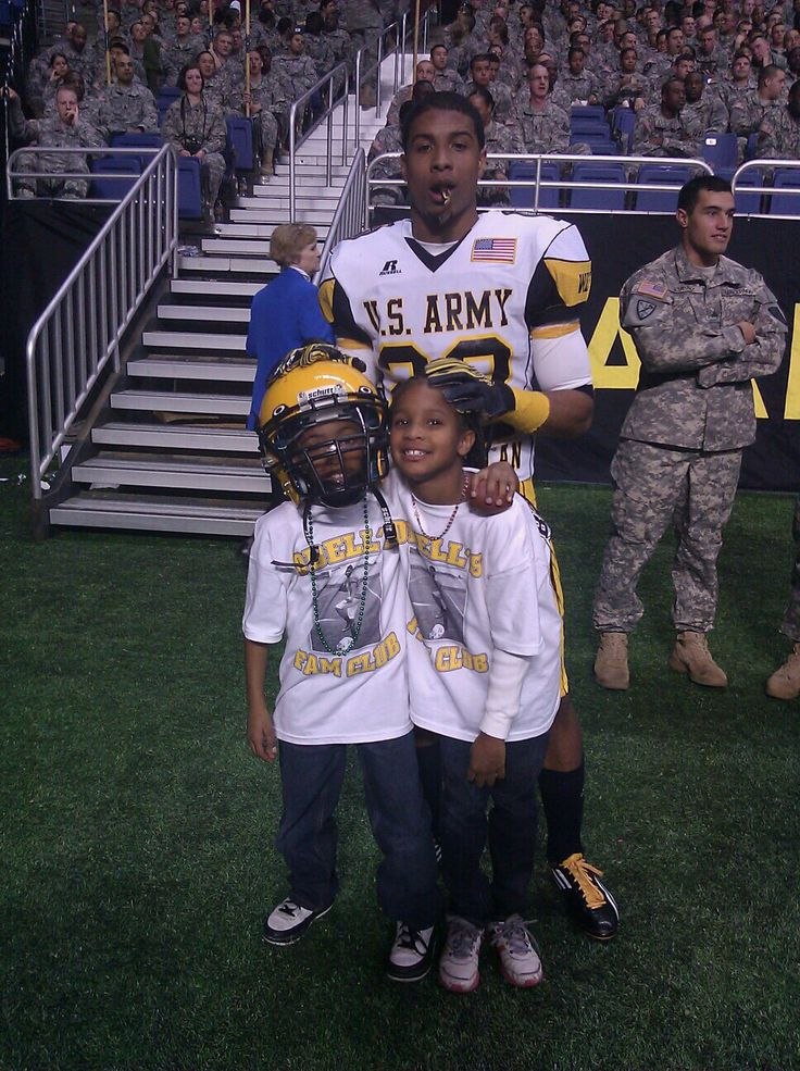 Odell Beckham Jr With His Little Brother And Sister