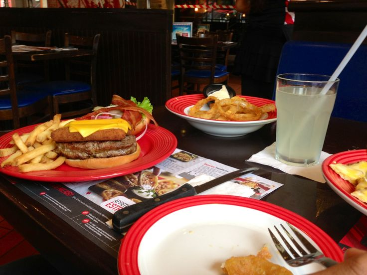 Casual dining. T.G.I Fridays