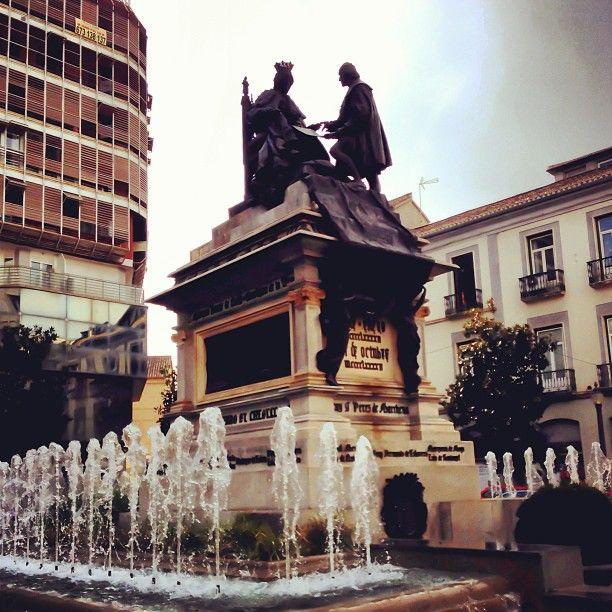 Plaza Isabel la Católica en Granada, Andalucía