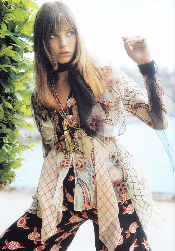 Love everything about this photo. The outfit, the colors, the lighting etc.. Jane Birkin
