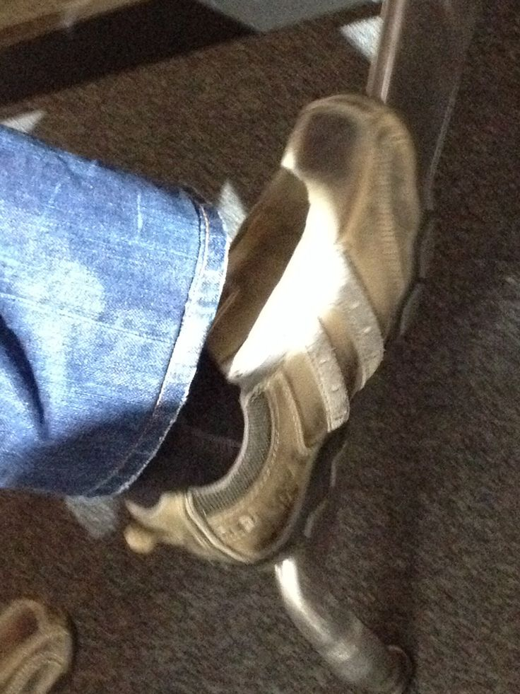 These shoes are weekend favorites amongst the weak dads. So wrong i can bring myself to look at this picture
