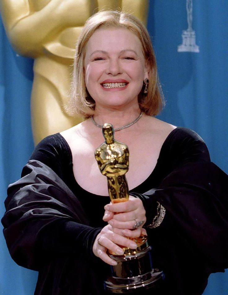 Dianne Wiest won the Academy Award for Best Supporting Actress for the film Bullets Over Broadway in 1994.