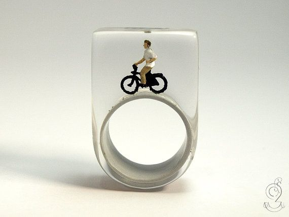 Wheel of fortune  funny bicyclist ring with door GeschmeideUnterTeck