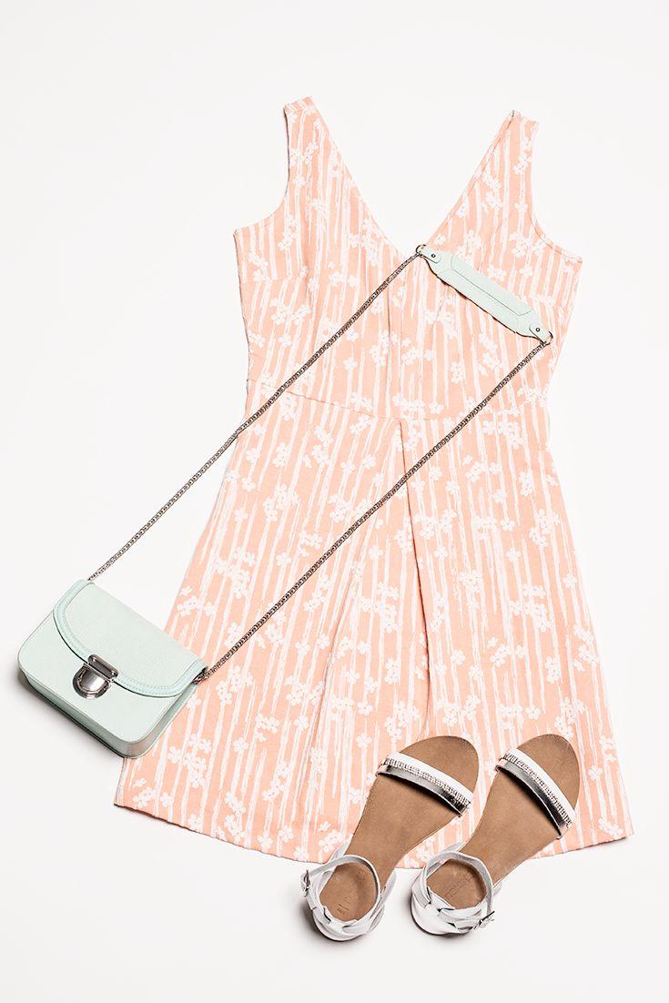 pfirsich kleider machen das leben sch ner pastellt ne passen gut zur sommerlaune. Black Bedroom Furniture Sets. Home Design Ideas