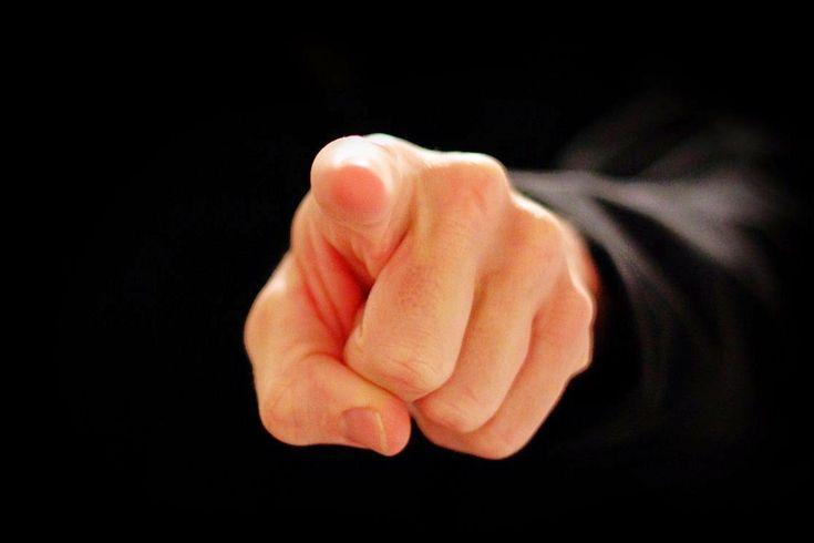 """Clic en la imagen y sigue la reflexión del Evangelio del día  Miércoles Santo  """"Les aseguro que uno de ustedes me entregará""""  📖 Evangelio según Mateo 26, 14-25  Uno de los Doce, llamado Judas Iscariote, fue a ver a los sumos sacerdotes y les dijo: """"¿Cuánto me darán si se lo entrego?"""". Y resolvieron darle treinta monedas de plata. http://www.fundacionpane.org/evangelio-del-dia-lectio-divina-mateo-26-14-25-2/"""