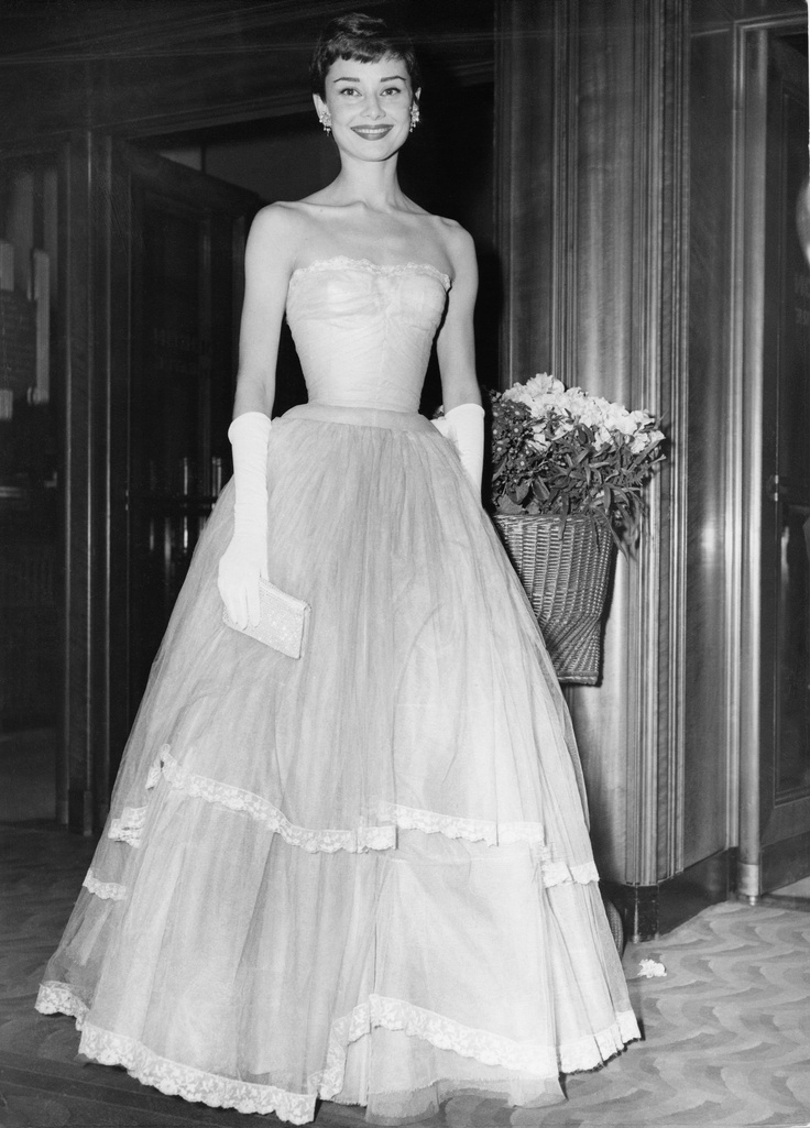 Audrey Hepburn at the BAFTAS - glamour unparalleled.