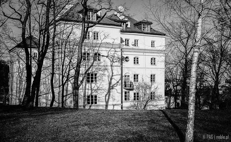 Dom Oficerski Funduszu Kwaterunku Wojskowego z roku 1928, ul. Myśliwiecka 11, Warszawa