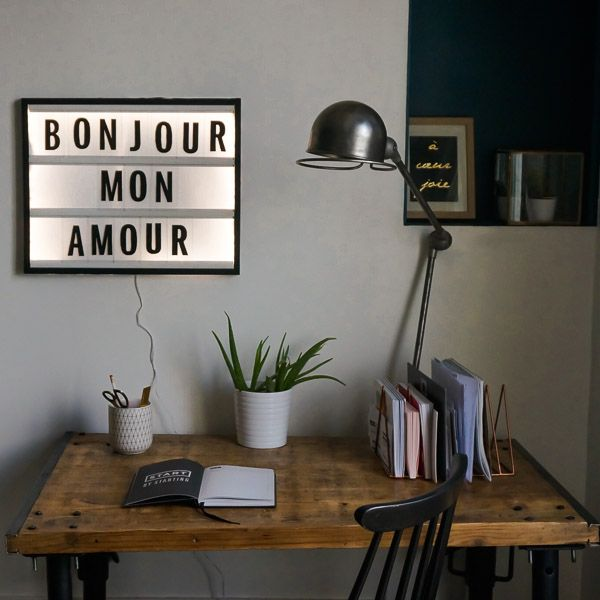 les 25 meilleures id es de la cat gorie lettres lumineuses sur pinterest manuscrit enlumin. Black Bedroom Furniture Sets. Home Design Ideas