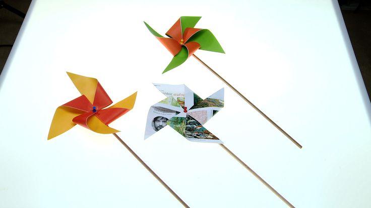 En septiembre hay varios juegos típicos, algunos están asociados a las Fiestas Patrias, y otros son más populares por el clima, como son los remolinos de papel, ya que el viento de ese mes es ideal para que giren, cuando los ponemos como adorno en una ventana, en un macetero, o simplemente los tenemos en la mano.