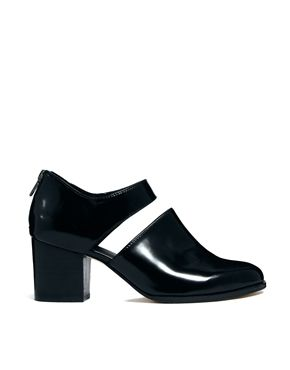 sold out in my size.  super sad face.  : {  ASOS SEARCH PARTY Heels