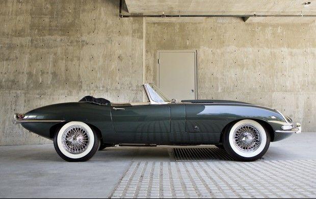 1961 Jaguar E-Type Series 1 3.8-Litre Roadster...      ps http://www.amazon.com/gp/product/B00RZ1TKYE