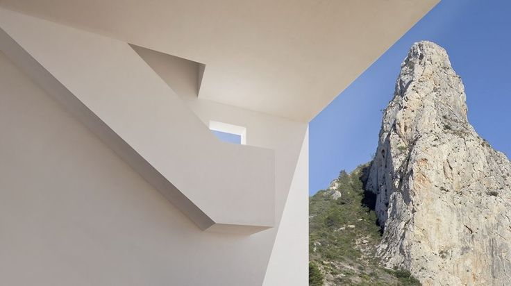 ALT   House On The Cliff - Picture gallery