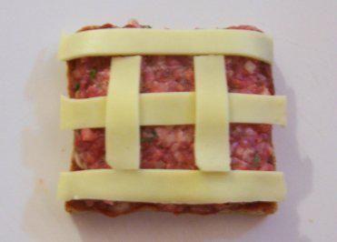 Rezept: Zwischensnack: Hackfleisch-Toast, überbacken Bild Nr. 4