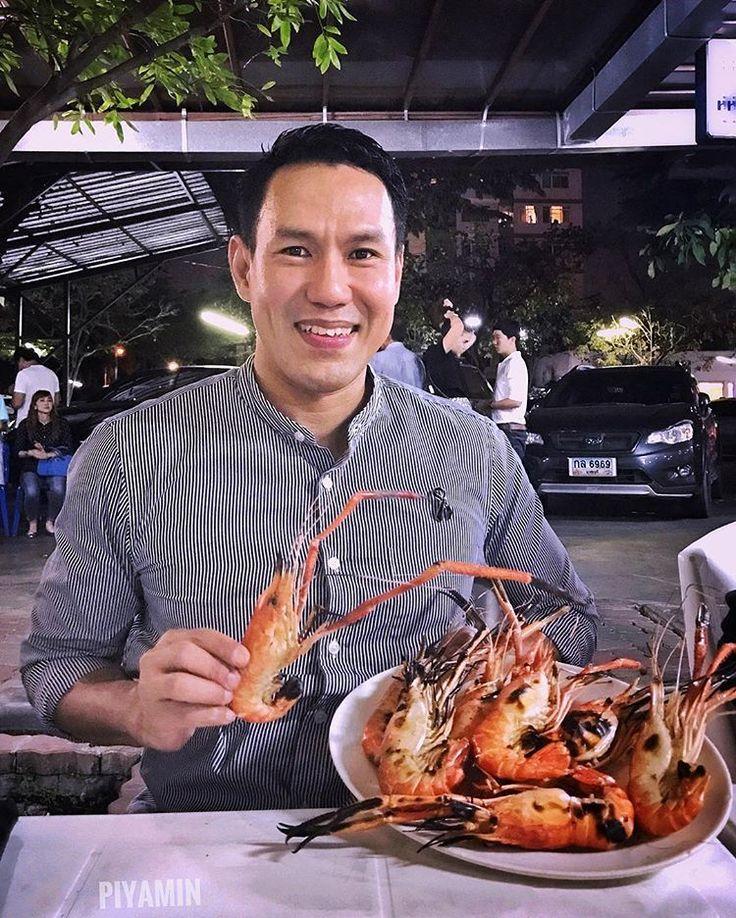 First dinner of year 2017 มื้อใหญ่มื้อแรกของปี 🦐🦀🦑🐟 #seafood #grillprawns  #dinner #obaroi  #bangkok #thailand