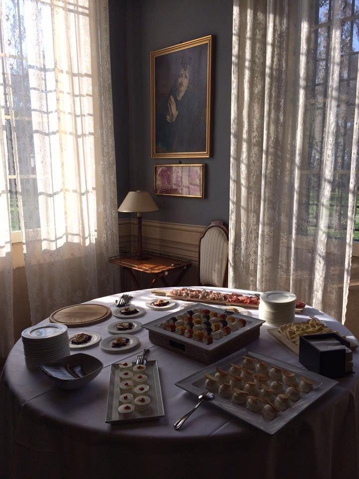 Un piccolo aperitivo di benvenuto a Villa Rota #dovevuoicatering #staff #Bianconi #villarota